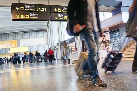 AVENAR 4000 je možné použít na letištích, v komerčních budovách, bankách, prodejnách, zdravotnických zařízeních, apod.