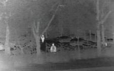 Potenciální narušitelé se jasně zobrazují pomocí vysoce kontrastních termoobrazů kamer FLIR řady SR