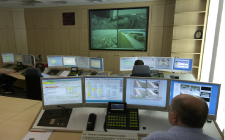 Operační místnost společnosti BASF je centrem bezpečnostní sítě, kde se analyzují všechny obrazy z CCTV a termovizních kamer