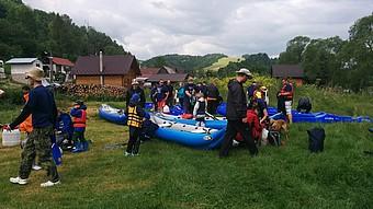 Oblékli jsme záchranné vesty a vyrazili na vodu