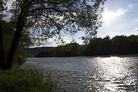 Dunajec tekl rychle a plynule