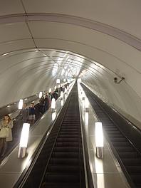 86 metrů - to je hloubka nástupiště stanice Admirálská v Petrohradu