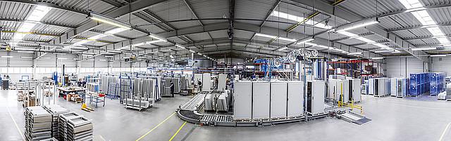 Rozvaděče Tritón se vyrábí ve Starém Mateřově (Česká republika)
