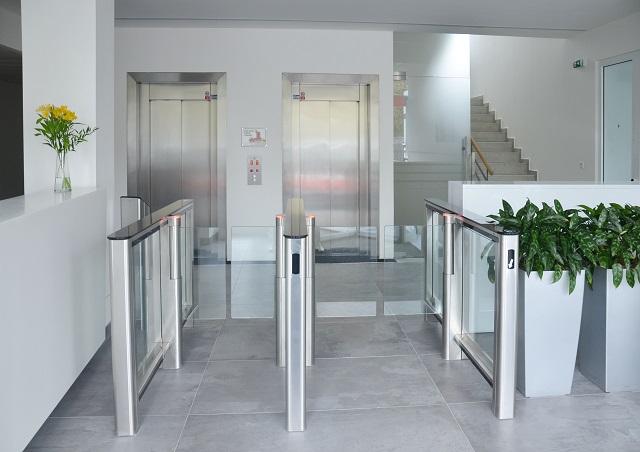 Vysokorychlostní brány PERCo jsou ideální do administrativních budov