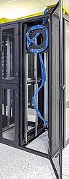 Držák rezervy kabelů je ideální do datových dozvaděčů