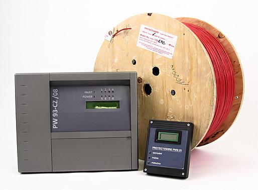 Protectowire se skládá z kabelu a vyhodnocovací jednotky