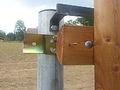Plotový detekční systém SIOUX na dřevěném plotě